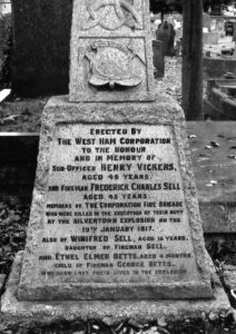 silvertown-explosion-y-grave-pic